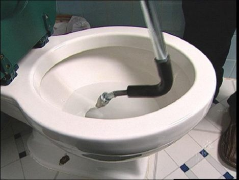 Απόφραξη κάθετης τουαλέτας στο Περιστερι